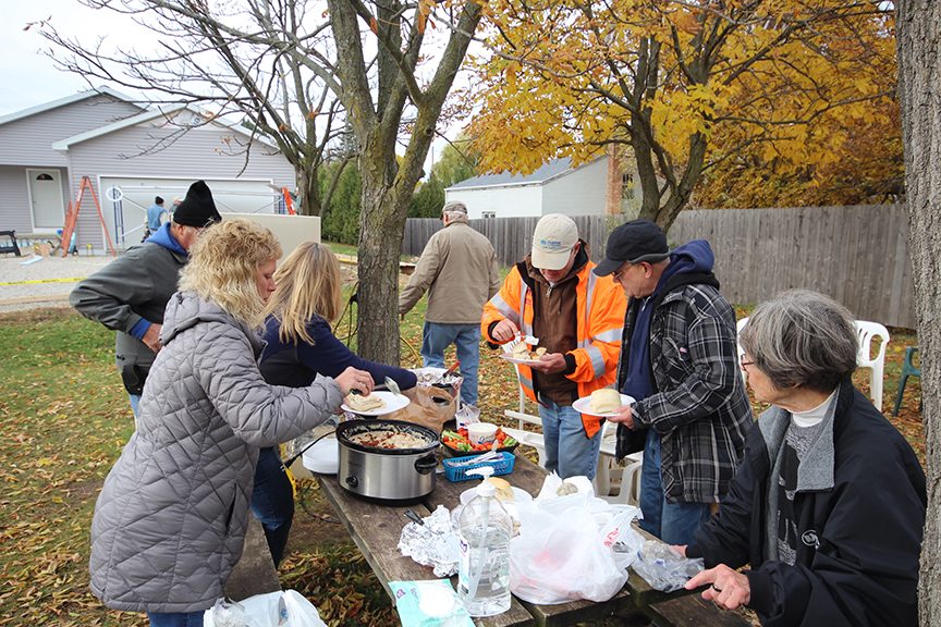 PortSide Supplies Lunch to Habitat Volunteers