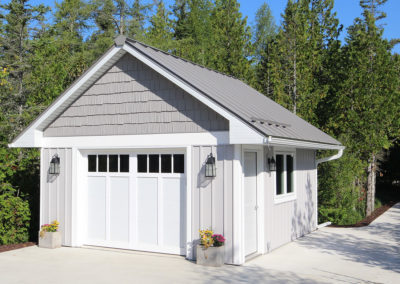Single stall garage / garden shed in Door County, WI